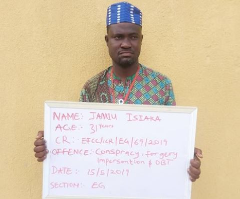 Herbalist arrested for Impersonating NNPC's group managin director, Femi Adesina andduping a foreigner of N30million