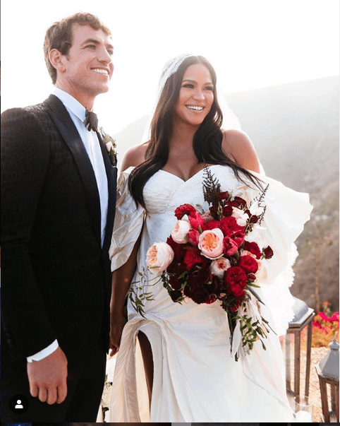 Singer Cassie shares new lovely photo from her wedding to Alex Fine (photo)