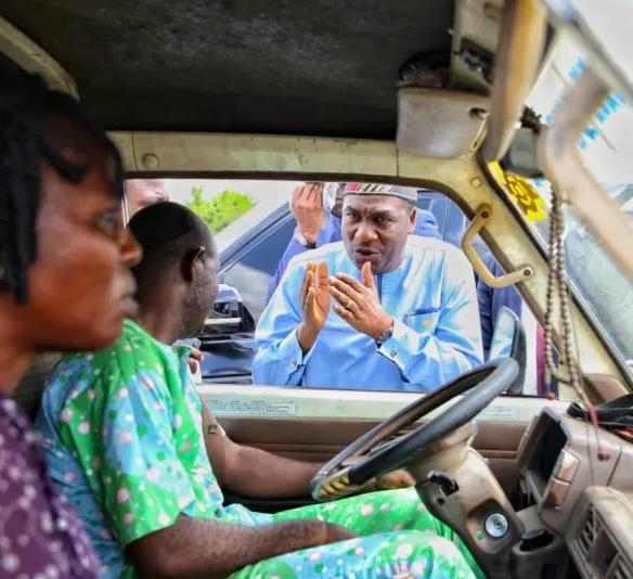 Lagos deputy governor, FemiHamzat arrests several drivers for 'driving against traffic' (Photos)