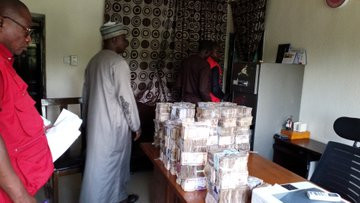 EFCC recovers N65.5million in Zamfara INEC Office lindaikejisblog 2