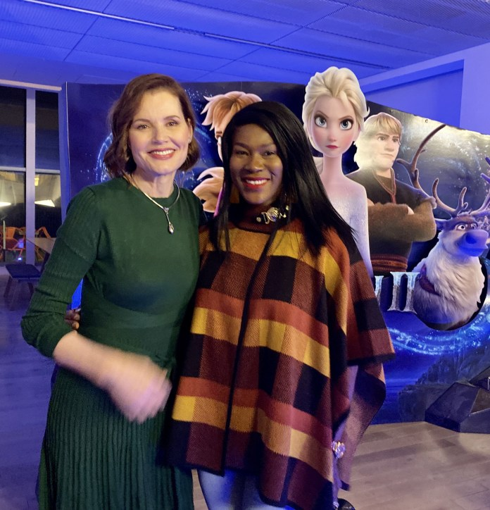 Stephanie Linus attends Fire Side Chat and Private Screening of Frozen 2 (photographs)