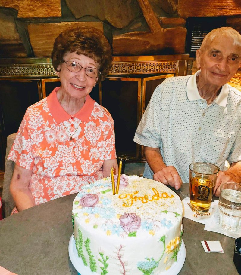Couple who were married for 70 years die 20 minutes apart
