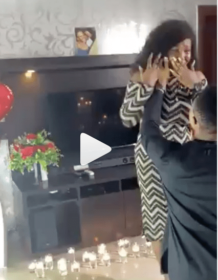 Lady cries continuously as boyfriend proposes to her