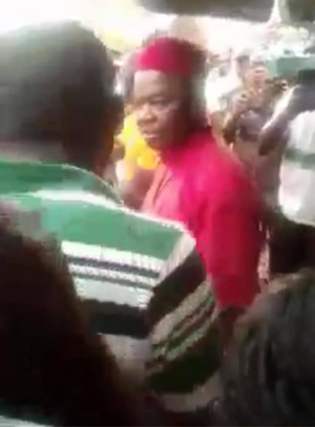 Video corroborates Actor Chinwetalu Agu's claim of sharing bread before he was arrested by soldiers at Upper Iweka in Onitsha Anambra state