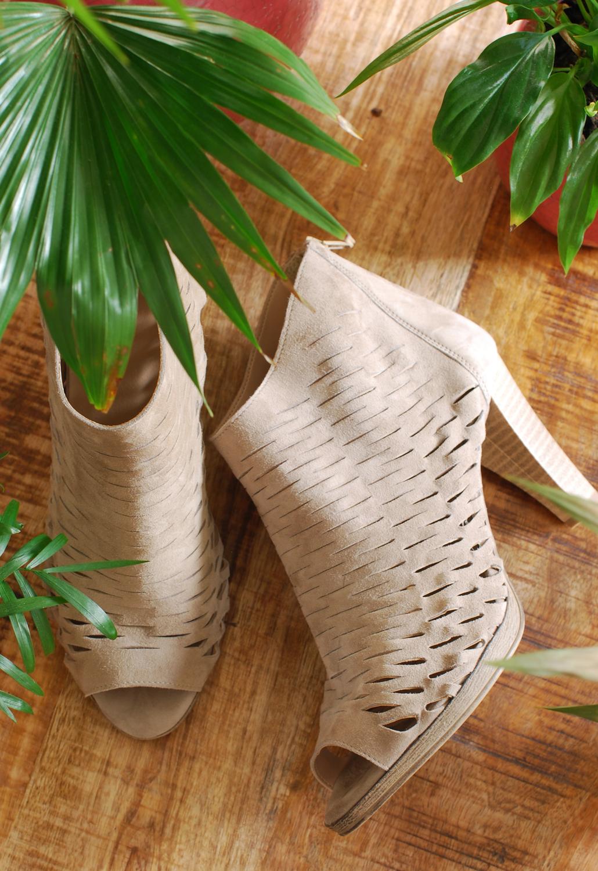 van dalen schoenen enkellaars suede open geweven patroon lifestyle by linda