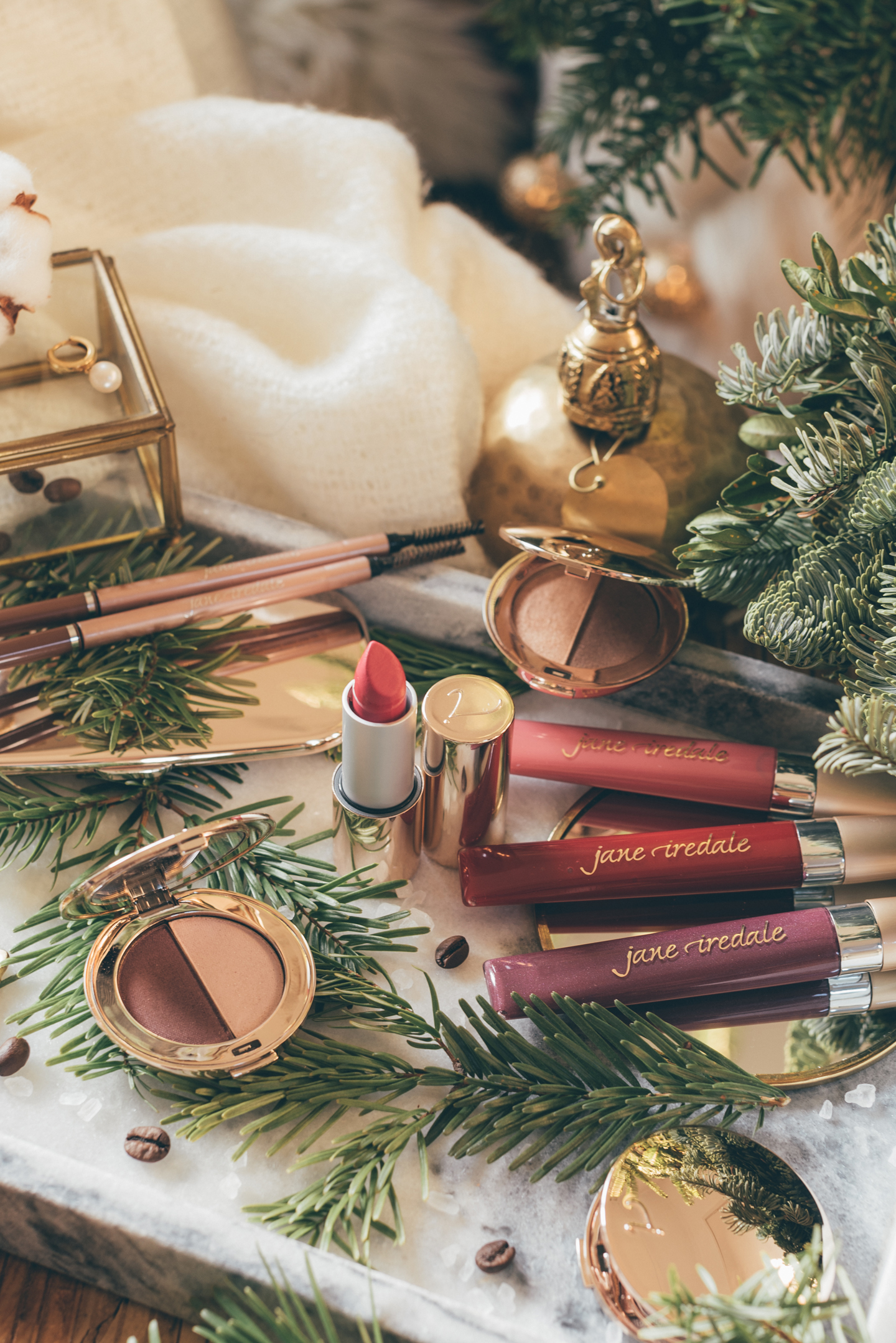 Gift Guide Cruelty Free Beauty Linda's Wholesome Life jane iredale