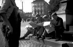 1939, 1 september (krigsutbrottet) utanför HTCentralen vid Kopparmärra