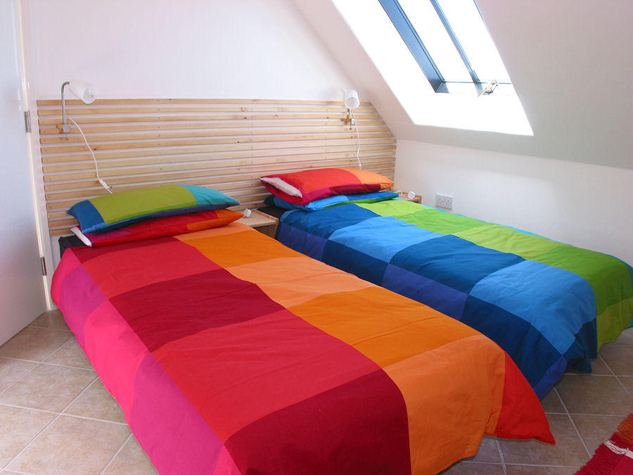 Twin Beds - Cornwall Cottages - Coverack