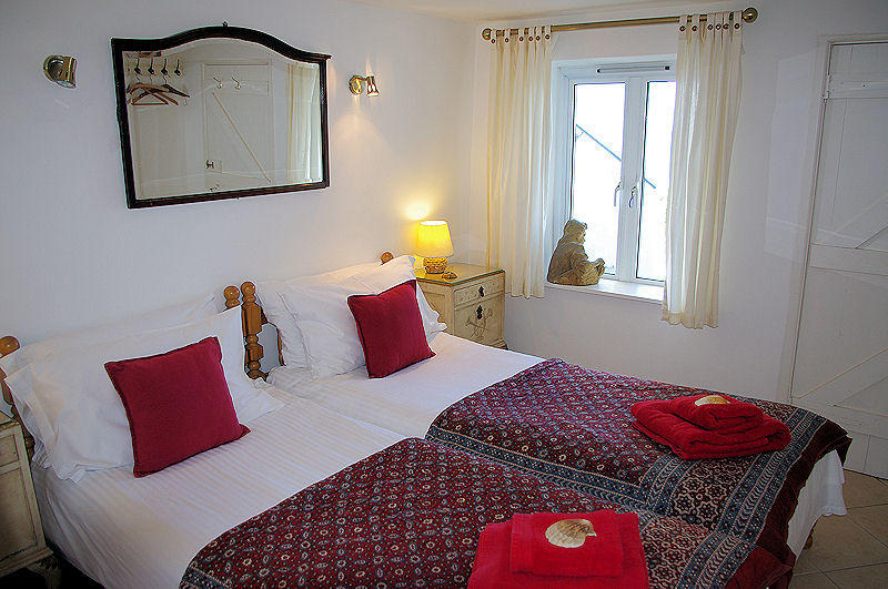 Boak Cottage Twin Rooms - self catering cottage Cornwall