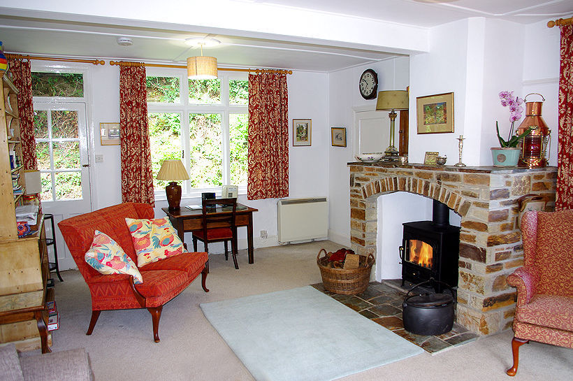 Cornish Fireplace - Cornwall Cottages from Lindford House
