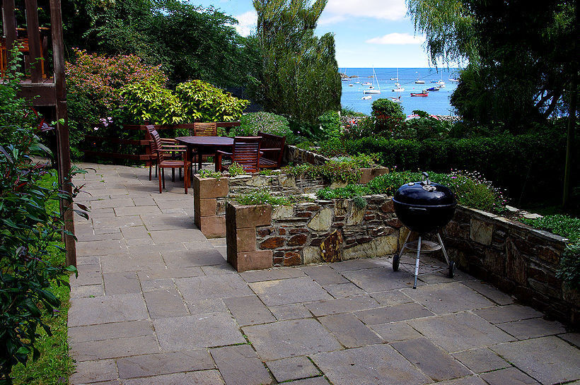 Curlew Cottage patio sea views - self catering cornwall