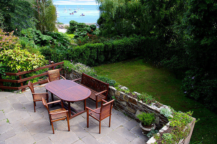 Curlew Cottage garden views towards the sea