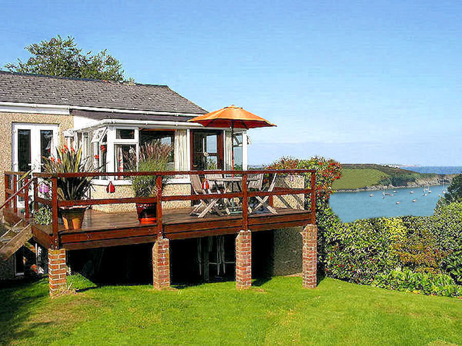 Self Catering Cornwall Cottages with sea views - Lindford House