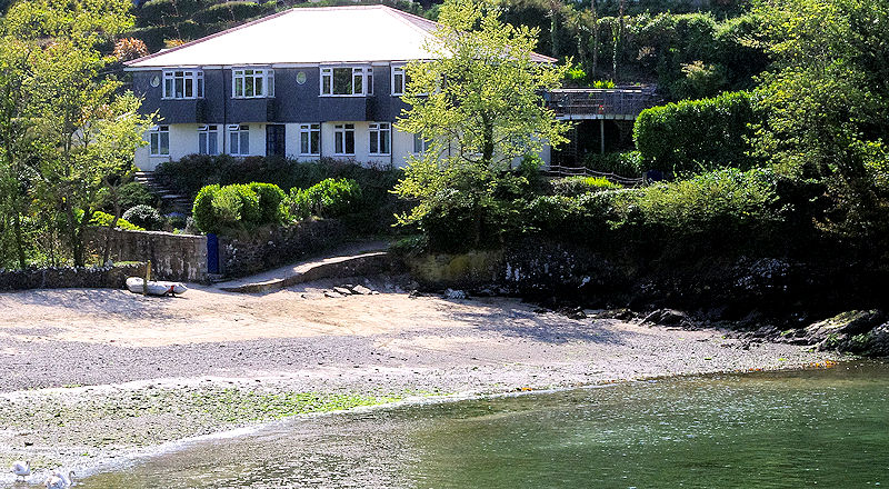 Self Catering Cornwall - Gillan Cove House large property
