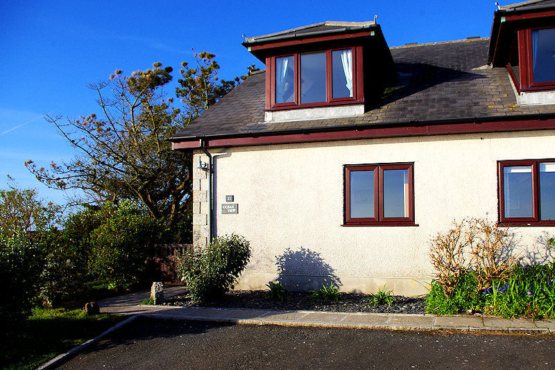 sea view holiday cottage in cornwall