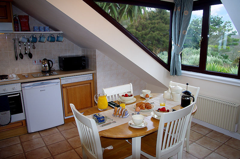 Breakfast time - Self Catering Cornwall from Lindford House