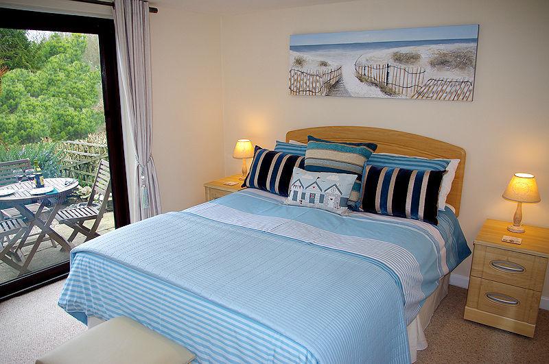 Ocean View Bedrooms Cornwall - Self Catering
