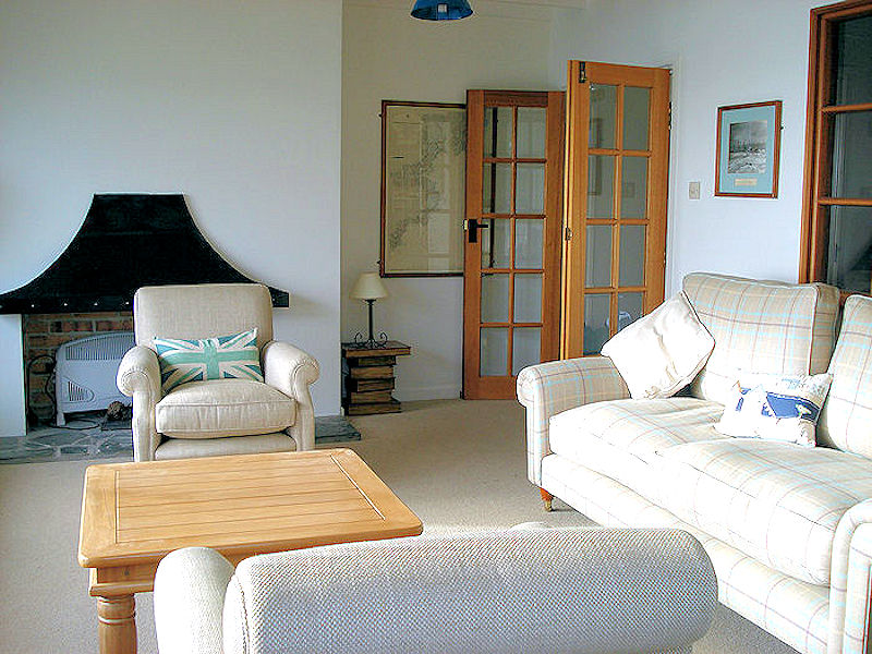 Self Catering Cornwall - Cornwall Cottages - a luxury spacious lounge