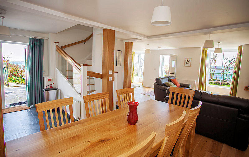 Luxury self catering Coverack in Cornwall