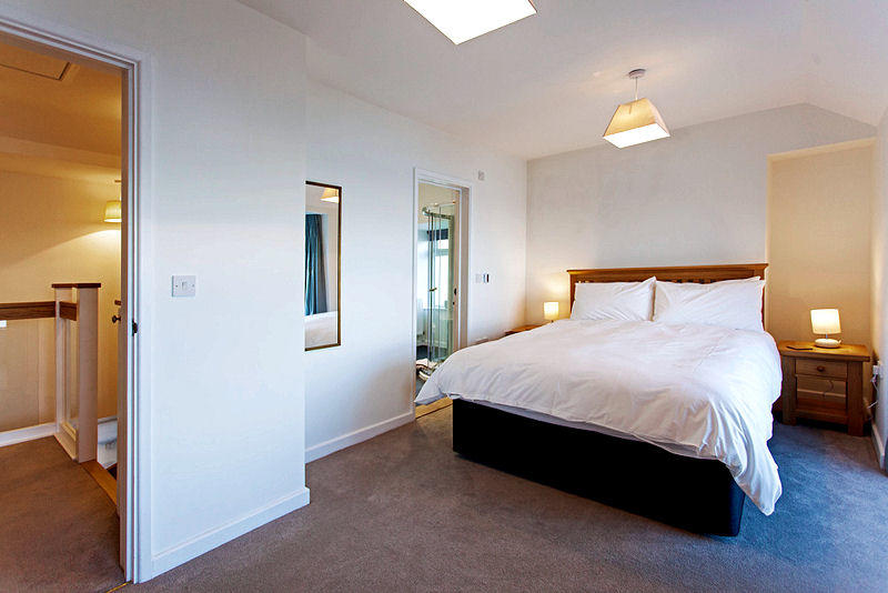 Cornwall Cottages - spacious bedrooms - self catering Lindfordhouse
