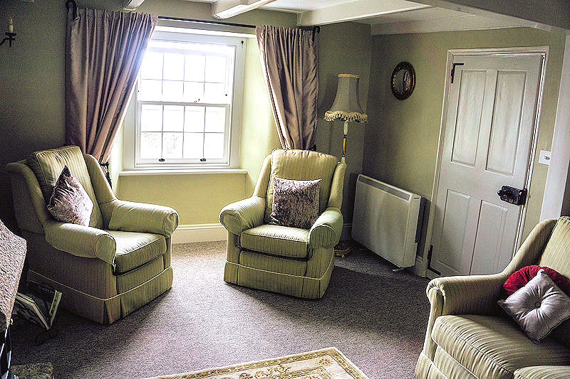 Self Catering Cornwall - cosy sitting rooms