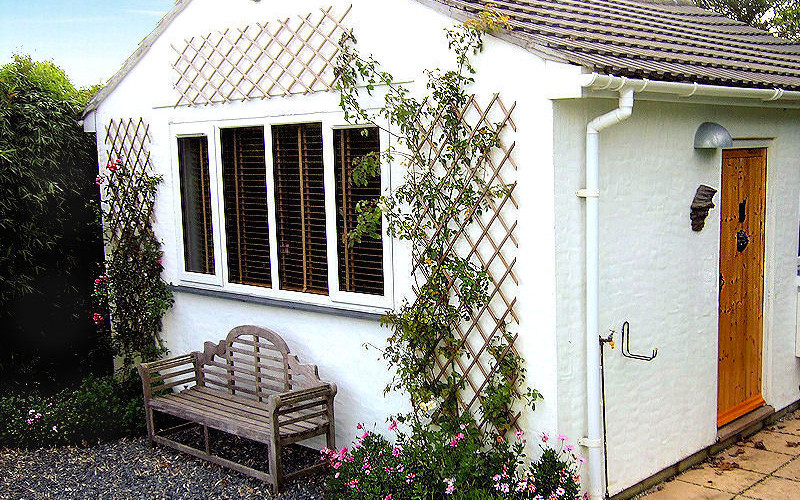 Retreat Cottage - Self Catering Coverack Cornwall