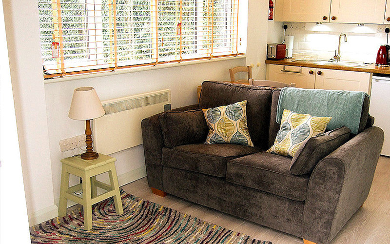 Retreat Cottage - Living Room - Self Catering Cornwall