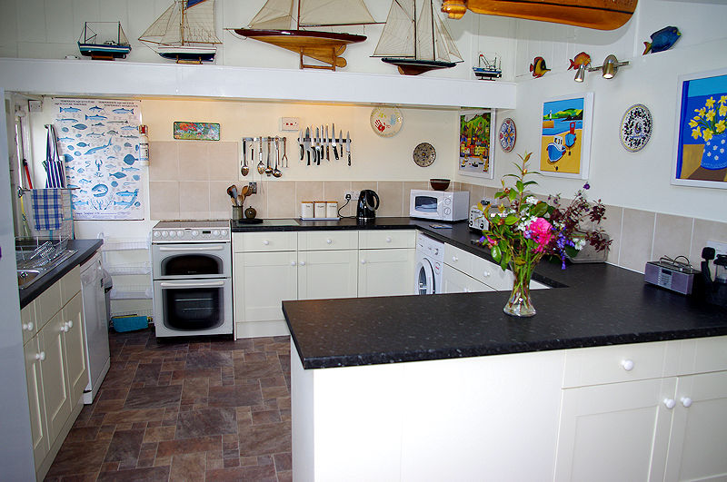 Self Catering Cornwall - luxury kitchen - Lindford House Cornwall Cottages