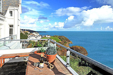 holiday cottage with sea views in Cornwall
