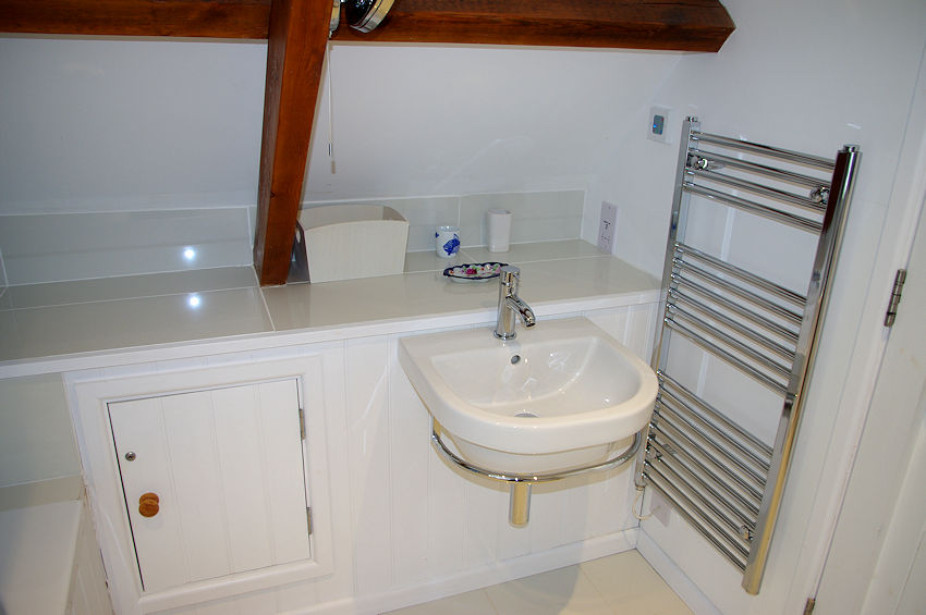 Self Catering Cornwall - bathrooms 2