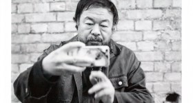 Ai Weiwei nel suo studio a Berlino - 2015 - ph: Alfred Weidinger on flickr