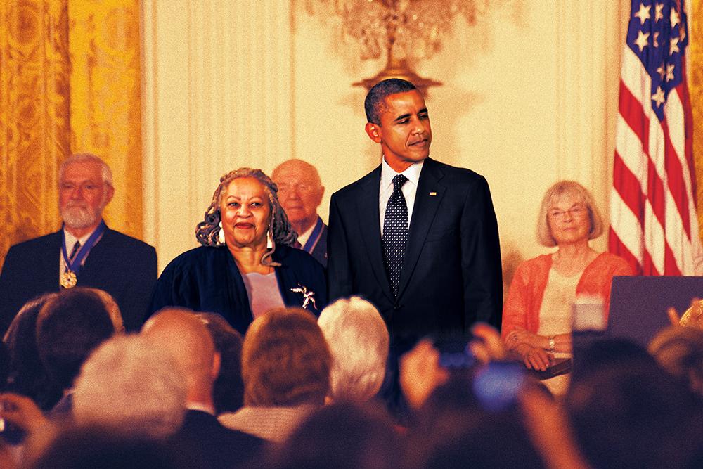 La scrittrice Toni Morrison con Barack Obama