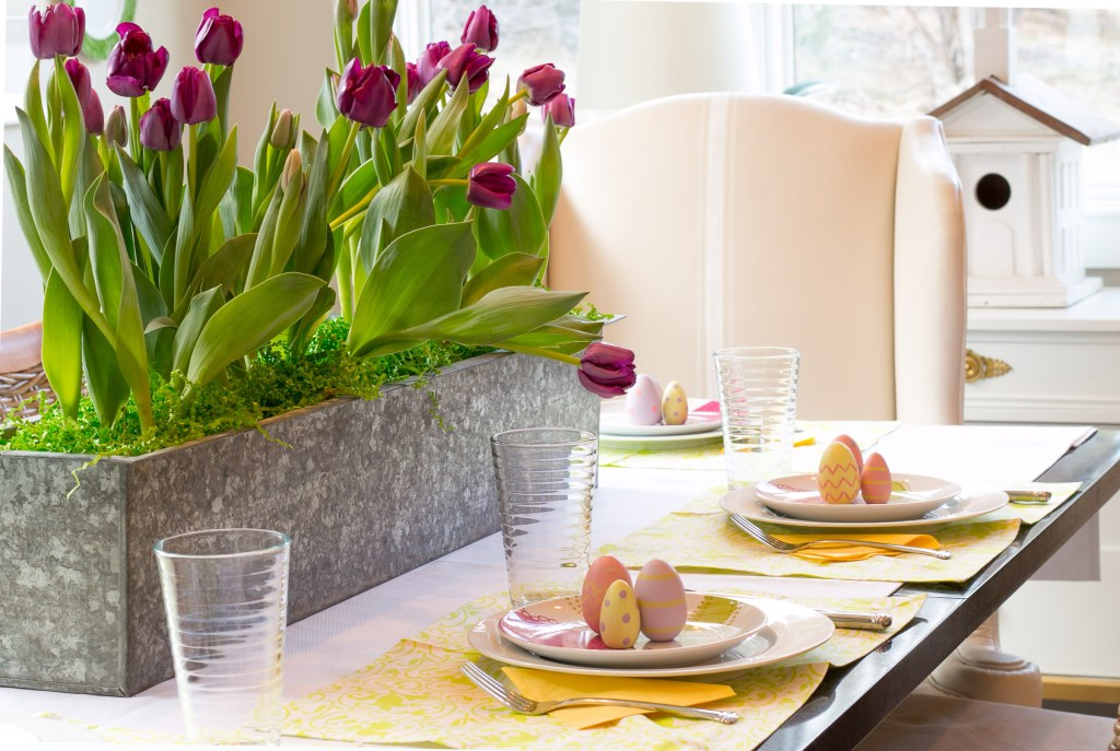 beautiful easter spring centerpiece
