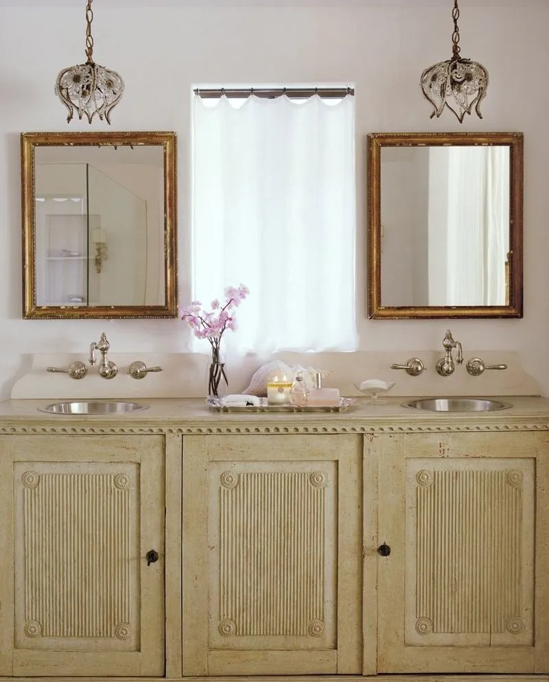 pendant-lights-in-bathroom