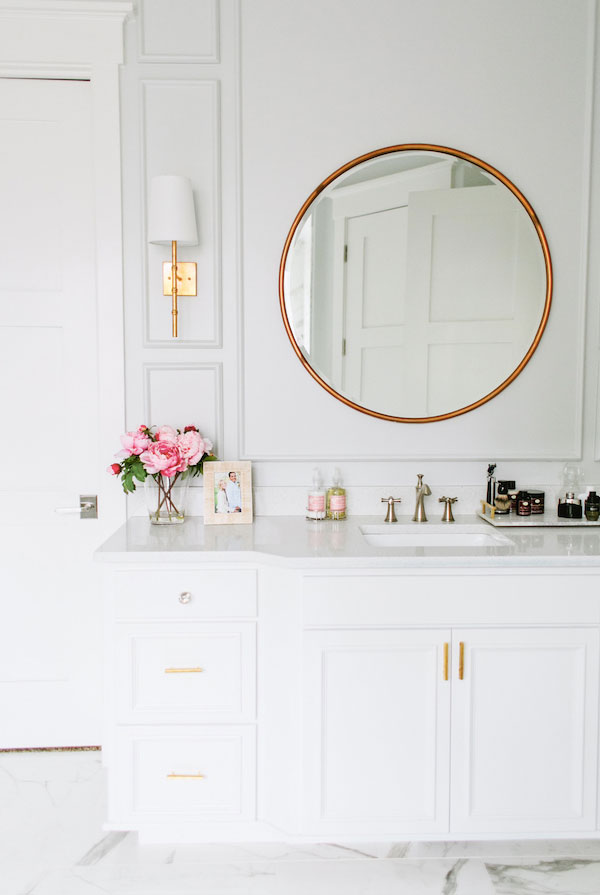round-mirror-bathroom