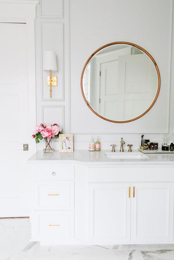round-mirror-bathroom