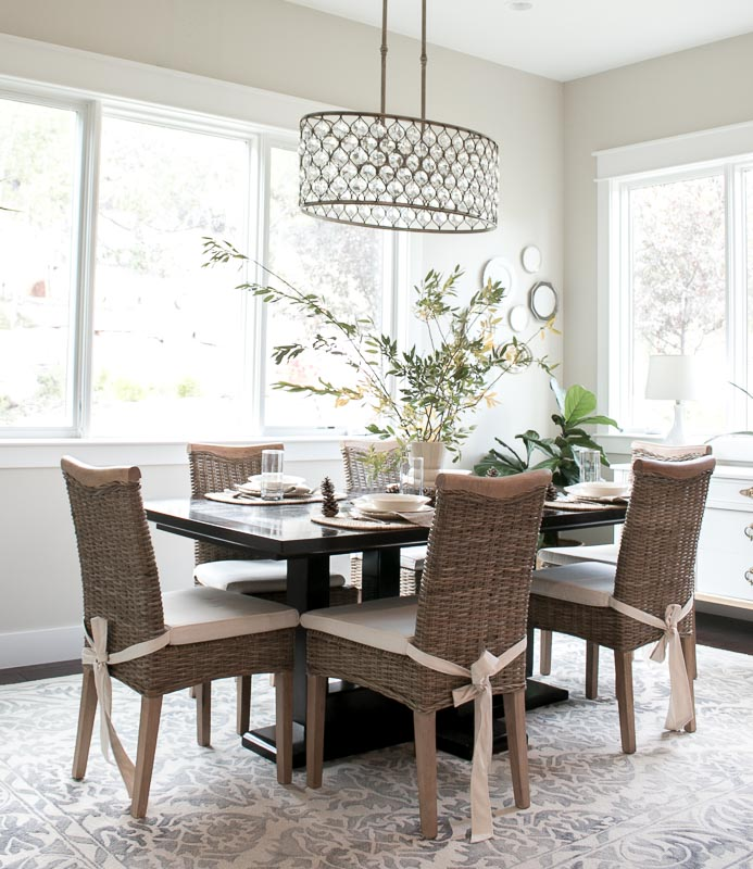 Lindsay Hill Interiors Fall Home Tour 2017 dining room