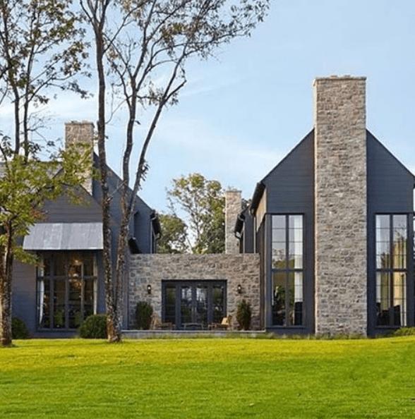 10 Striking Dark Home Exteriors [New Trend]