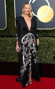 rs_634x1024-180107163532-634-red-carpet-fashion-2018-golden-globe-awards-margot-robbie