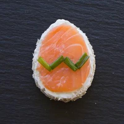 Oeuf-canapé saumon