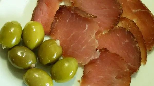 Speck et olives grecques