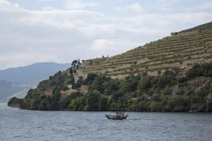 Barco no rio Douro, Portugal
