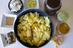 Ingrédients pour le chutney d'ananas, miele et gingembre