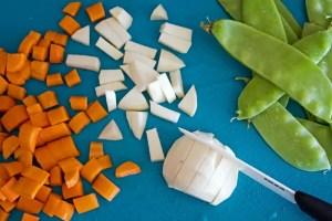 légumes nouveaux pour la poêlée aux pois gourmands