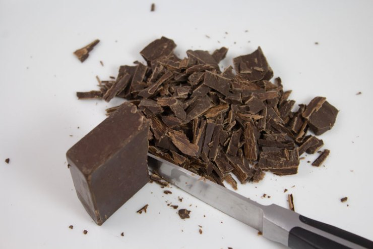 Bloc de chocolat râpé pour la pâtisserie