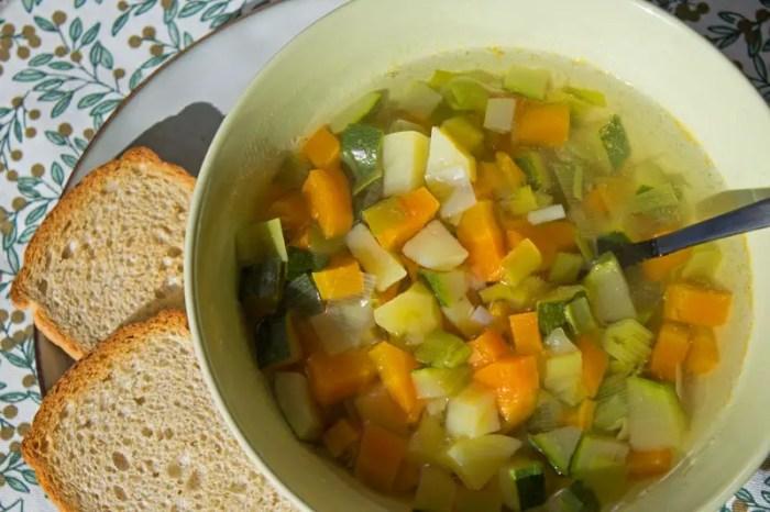 Bouillon de légumes tout simple
