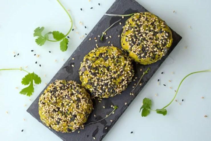 Burgers végétaliens de haricots noirs et patate douce