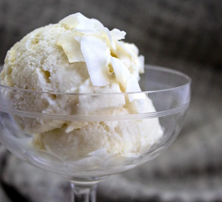 Coupe de glace à la  noix de coco et au jus de Yuzu