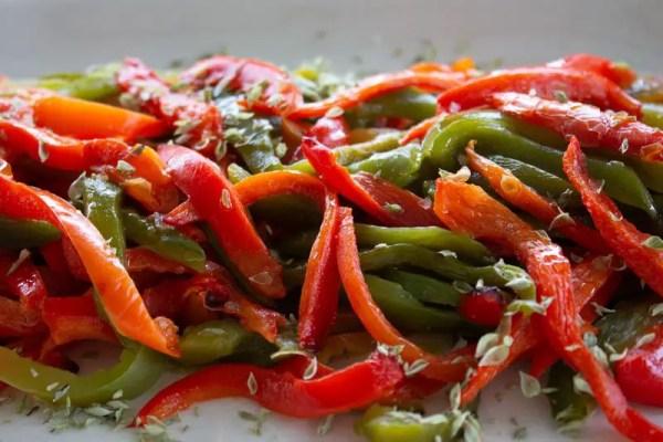 Salade de lanières de poivrons grillés