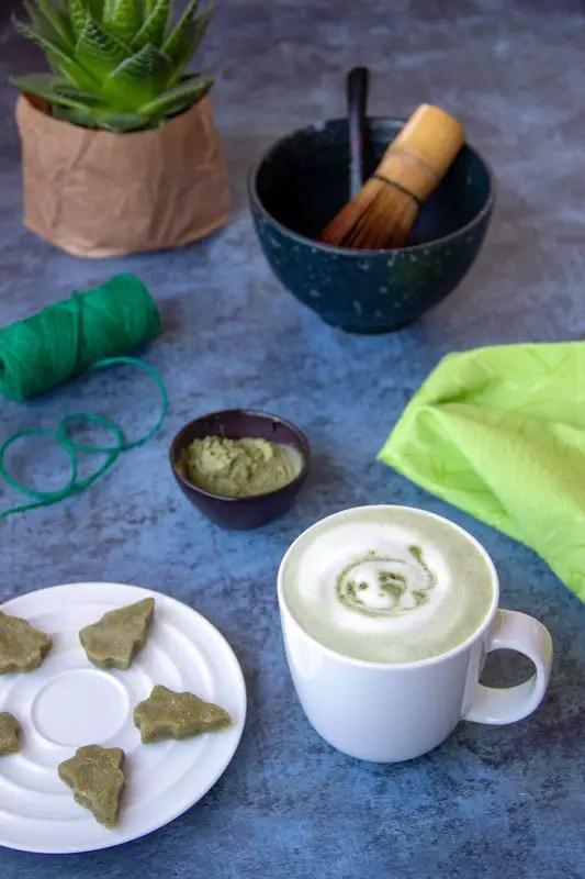 Collation verte de Noël : Matcha latte et pâte d'amandes matcha